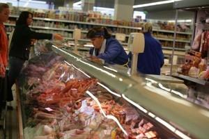 Oszust wyłudza pieniądze od sklepów mięsnych