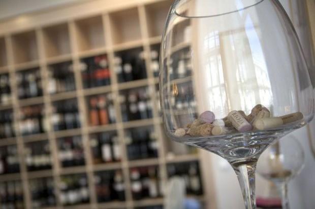 Marzec kolejnym miesiącem wzrostu cen wina