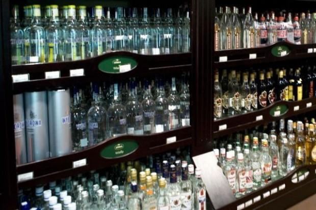 Senat odrzucił projekt ustawy zakazujący sprzedaży alkoholu na stacjach