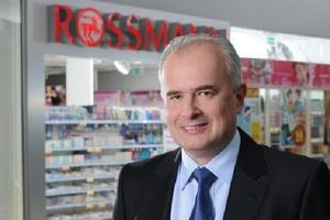 Rossmann będzie mocno rozwijać półkę z żywnością