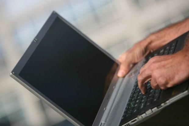 Co czwarty Polak korzysta z zakupów przez internet