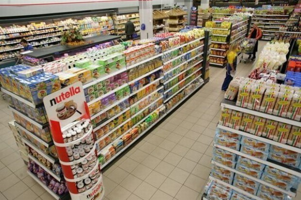 Sprzedaż detaliczna w sklepach wzrosła o 18,6 proc.