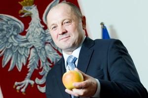 Minister rolnictwa: Widać załamanie na rynku owoców i warzyw
