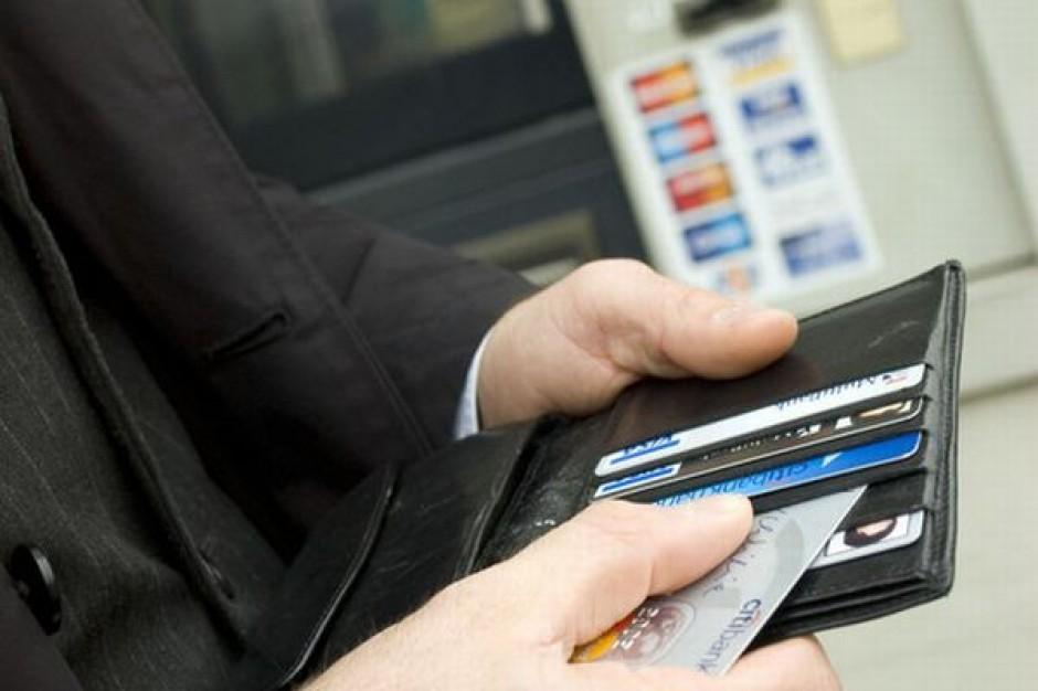Klienci sześciu banków mogą mieć problem z dostępem do gotówki i płaceniem kartami