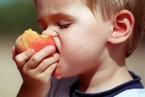 Badanie: Dzieci chętnie jedzą warzywa i owoce oraz piją soki