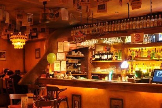 Polacy wydają w restauracjach coraz więcej pieniędzy