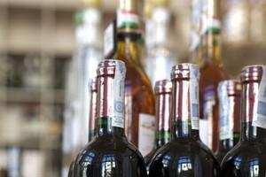 Państwo straciło miliardy na obrocie nielegalnym alkoholem