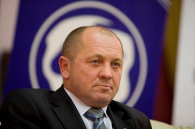 Minister Sawicki chce przepisów zakazujących upraw GMO