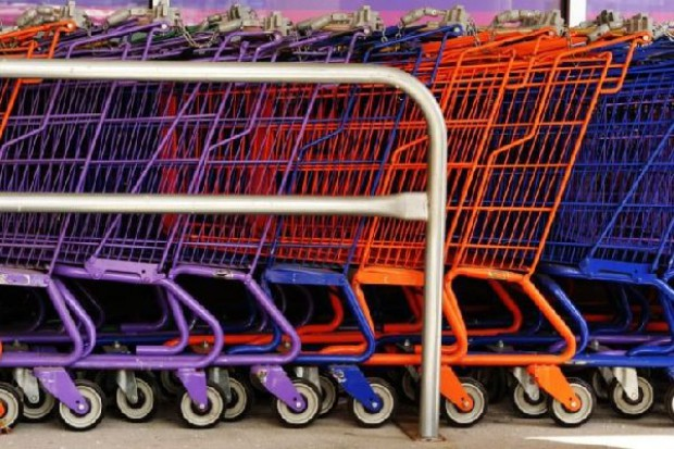 Rosną zatory płatnicze w branży spożywczej. Winne sieci handlowe?