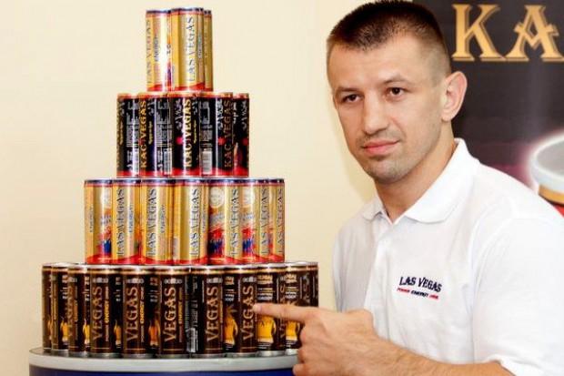 Kolejny znany bokser został twarzą napoju energetyzującego