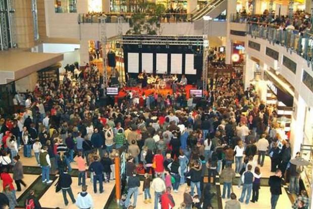 Raport: Centra handlowe notują wzrost obrotów