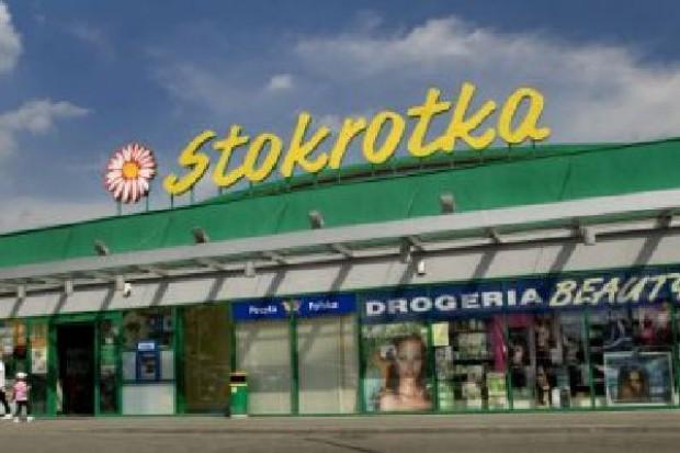Tesco, Carrefour, Penta, Advent i Mid Europa chcą kupić sieć Stokrotka?