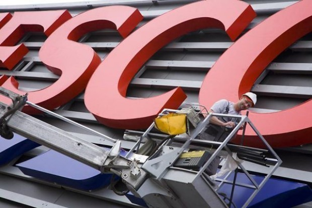W polskich sklepach Tesco spada sprzedaż like-for-like. Maleją udziały Tesco w rynku