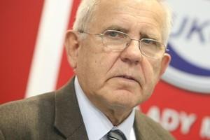 Prof. Pisula: Zakłady mięsne zbyt mocno inwestują w sklepy własne