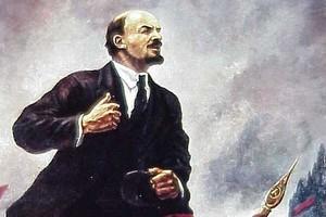 Komuniści uczcili rocznicę rewolucji marszem z portretami Lenina