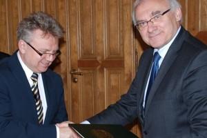 Tesco będzie współpracować z Politechniką Warszawską ws. budownictwa energooszczędnego