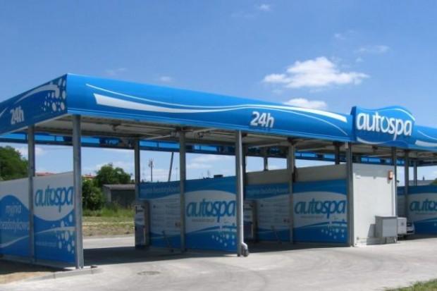 Przy sklepach sieci Polomarket powstanie ponad 20 myjni samochodowych