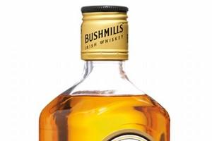 Polacy coraz częściej kupują whisky