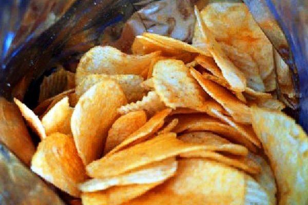 Polski resort finansów rozważa podniesienie VAT-u na chipsy i chrupki