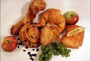 Maleje sprzedaż chleba, piekarnie przestawiają się na produkcję ciastek