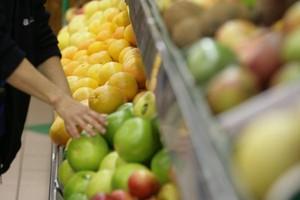 W grudniu ceny żywności w sklepach wzrosły o 0,9-proc.