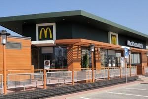Dwie nowe restauracje McDonalds przy autostradzie A2