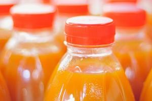 Woda wypiera z rynku soki owocowe