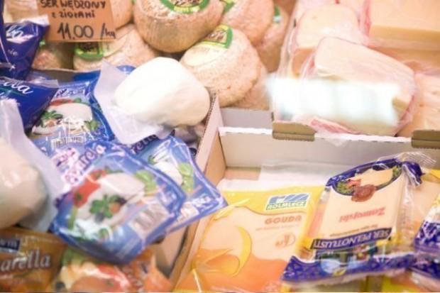 Słaby złoty ożywił handel zagraniczny przetworami mlecznymi