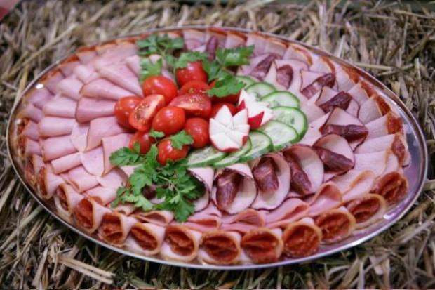 Część wyrobów mięsnych ma sfałszowany skład