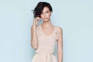 Należąca do Tesco sieć modowa F&F Store otwiera w Polsce swój pierwszy salon