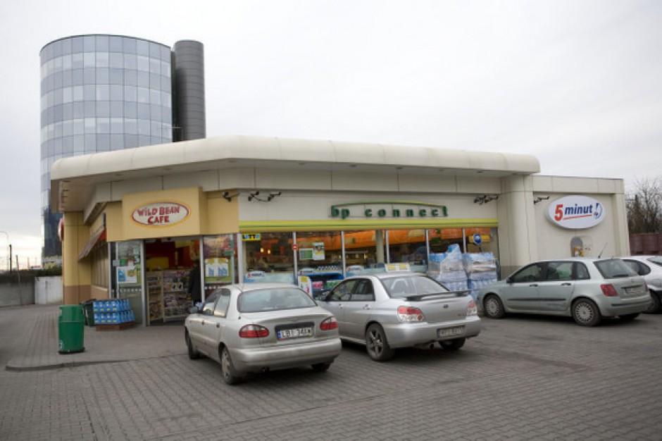 Obroty sklepów na stacjach wzrosły w zeszłym roku o 3,6 proc.