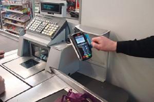 Jest wstępna zgoda sklepów i banków na obniżenie opłaty interchange
