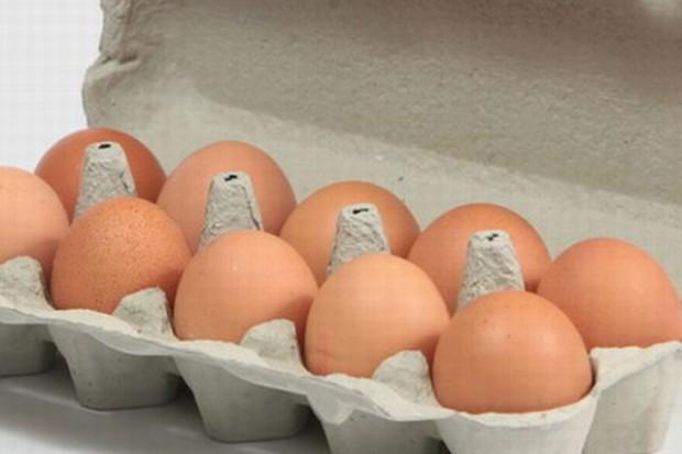 Jaja wciąż rekordowo drogie, ale spadają ceny jajek przemysłowych
