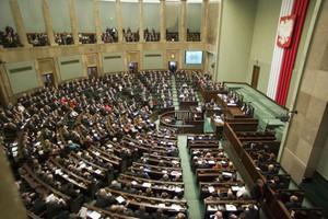 Sejm przyjął uchwałę ws. wyrównywania dopłat bezpośrednich