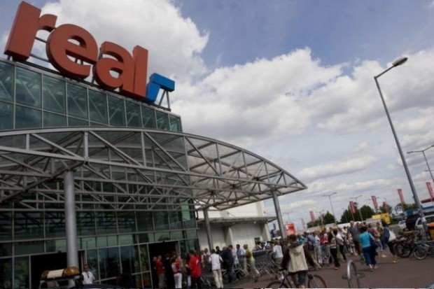 Auchan kupi sieć Real? Zainteresowane Walmart i Carrefour