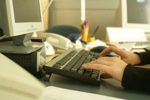 Sieci handlowe dostrzegły potencjał sprzedaży przez internet