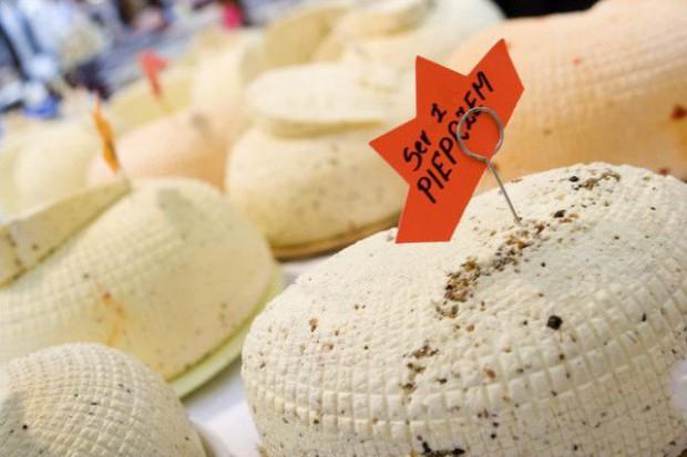 Obniżki cen przetworów mleczarskich