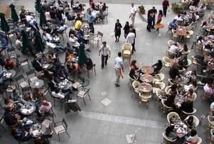 Restauracje dzięki kibicom notują rekordowe obroty