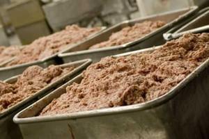 Kontrolerzy wykryli zafałszowane przetwory mięsne