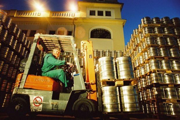 Kompania Piwowarska dostarcza dziennie nawet 31 tys. palet piwa