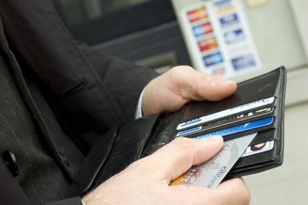 Wartość transakcji kartami wzrosła o 5,4 proc.