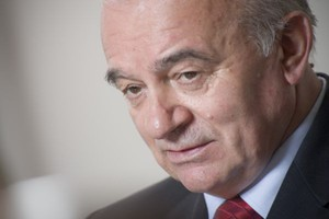 Minister rolnictwa: Warto rozważyć podatek od obrotów sieci handlowych