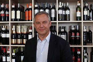 Marek Kondrat traci większość sklepów sieci Winarium