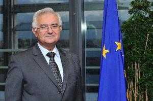 Komisarz Dalli nic nie zrobił, by powstrzymać biznesmena chcącego wykorzystać firmę tytoniową