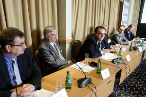 Biznes mleczarski w czasach niskiej rentowności - relacja z debaty