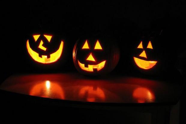 Markety konkurują ofertą na Halloween