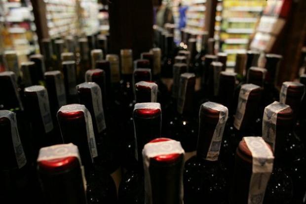 Dyskonty odbierają klientów sklepom z winem