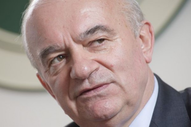 Minister rolnictwa: Polska za utrzymaniem limitów produkcji mleka