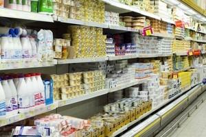 Światowe ceny żywności spadają, ale przetwory mleczne drożeją