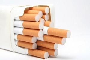 Spada sprzedaż legalnych papierosów